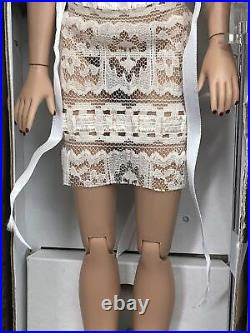 16 Tonner OOAK Steela by Lisa Gates of Dazzle'em Repaints Ball Jointed Amazing