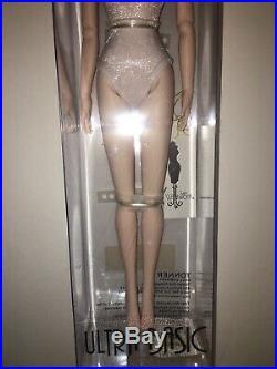2010 TYLER ULTRA BASIC RAVEN16 Tonner Fashion Doll NRFB LE300