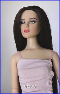 2012 Tonner Antoinette Brunette Basic Tonner Doll LE 500