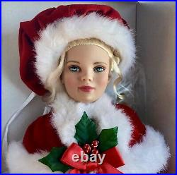 Classic Mrs Santa Claus Tonner Doll In Box Display Model Excellent Condition
