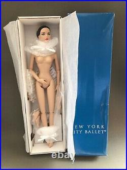 Classical NUDE Tyler Nu Mood 16 Vinyl En Pointe Foot Ballerina Plus Extra Feet