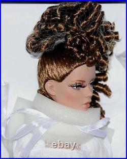 Innocence Deja Vu 2016 Tonner 16 NRFB Ltd 300 Mint Doll Box stained Pls Read