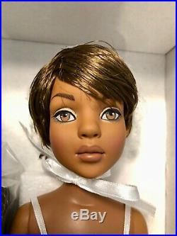 New Tonner Ellowyne Wilde Essential Lizette Wigged Out NRFB