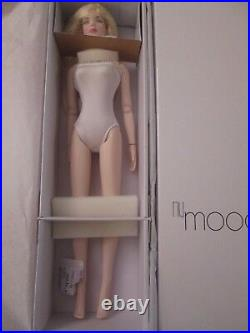 Nu Mood Tyler Fashion Lily Tonner Doll NRFB Removable Wig Hands Feet Blonde