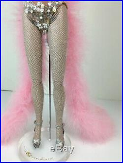 Pastel Phoenix showgirl Sydney FAo Schwarz Las Vegas dressed doll Tyler Tonner