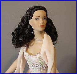 ROBERT TONNER FASHION DOLL'ROMANCE' 2001 Convention Doll