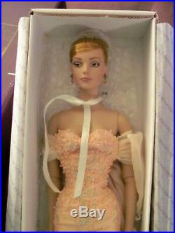 Rare Sydney Chase in Savoir Faire Convention doll by Robert Tonner MIB LE 300