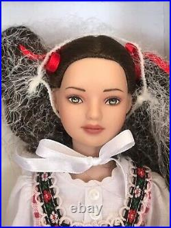Rare Tonner doll Little Red Riding Hood 2008 Effanbee