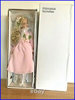 Robert Tonner Alice In Wonderland'party Of The Flowers' 12 Doll New In Box