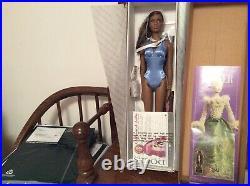 Robert Tonner Ready To Wear Runway Esme 16 Inch Fashion Doll 2004