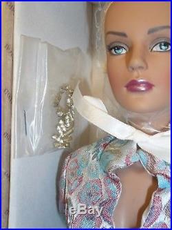 Robert Tonner Tyler Ice Blue or Jet Blue Sydney Doll Mint in Box
