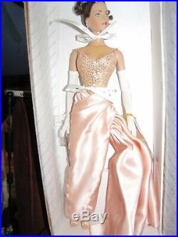 Robert Tonner Tyler Wentworth 16 Portrait Glamour Doll