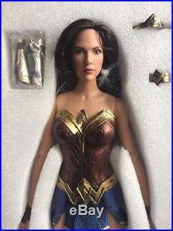 TONNER DC STARS WONDER WOMAN # 1 GAL GADOT 16 Dressed Doll No Shield No Stand