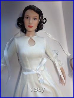 TONNER -OUTLANDER CLAIRE FRASER BASIC Dressed doll-16on new RTB 101 body-NEW
