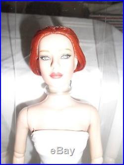 Tonner 16 2008 ULTRA BASIC TYLER WENTWORTH Redhead Fashion Doll