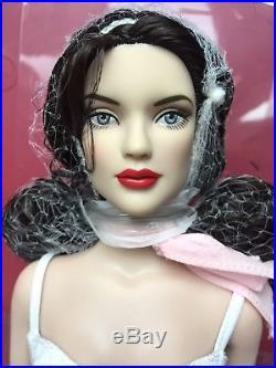 Tonner 16 2010 ULTRA BASIC TYLER WENTWORTH RAVEN Fashion Doll NRFB LE 300