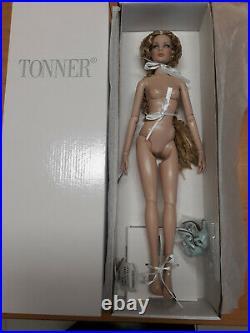 Tonner 16 Cami basic blonde doll