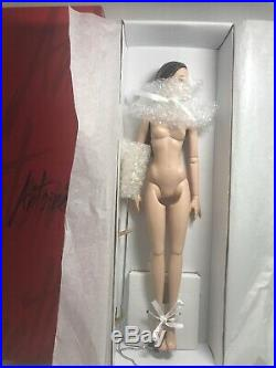 Tonner Antoinette Brunette Basic Tonner Doll Nude Used