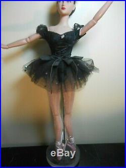 Tonner BALLERINA DOLL in BLACK TUTU