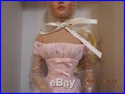 Tonner Cinderella Basic blonde NRFB