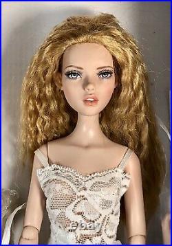 Tonner Deja Vu Changing Mood Penelope #1 2 wigs, 3 sets of hands, New NRFB