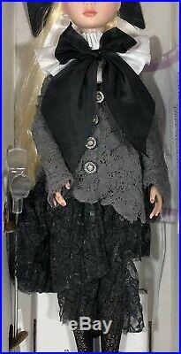 Tonner Ellowyne Wilde Dark Shadows 2011 Convention doll LE 350 Mint