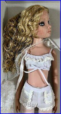 Tonner Ellowyne Wilde Essential Ellowyne, Too Blonde Brand New NRFB