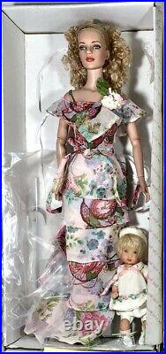 Tonner Eternal Love Sydney Chase, Mother and child set, used Mint LE 300