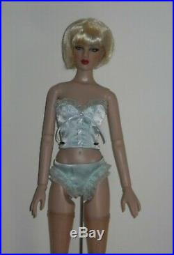 Tonner Glowing Muse Basic Cameo Antoinette T10FMBD01 Tonner 2010 2 Wigs Cami Jon