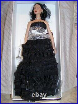 Tonner Mystique Angelina 2004 Nrfb