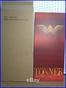 Tonner Red Deluxe Box -wonder Woman Training Armor-no Sword/shield /stand