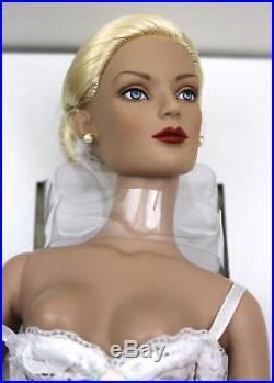 Tonner Regina Wentworth Doll 2005 Ufdc Banquet Souvenir Set Nrfb