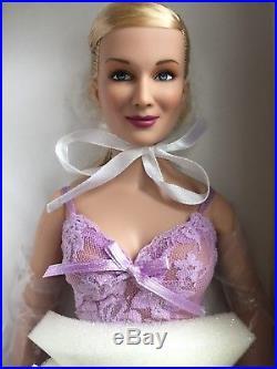 Tonner TYLER 16 2006 EMME BASIC BLONDE Fashion Doll NRFB Full Figured Body