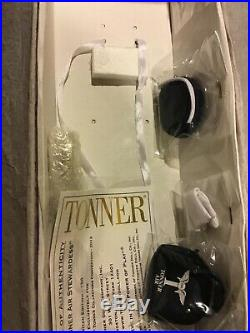 Tonner Tyler 16 Complete TONNER AIR STEWARDESS SHELLY Doll RARE