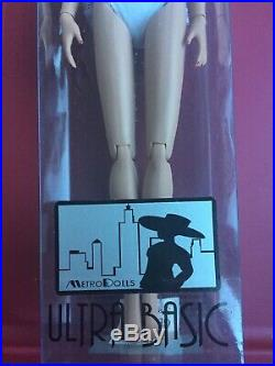 Tonner Tyler 16 METRO DOLLS JULIE 2008 Fashion Doll NRFB BW Body LE 150