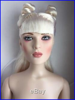 Tonner Tyler 16 NUDE BIANCA LAPIN Fashion Doll BW CHIC Body With Box + Stand 2015