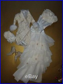 Tonner Tyler Wentworth 16 Doll Ghost Of Christmas Past