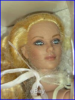 Tonner Tyler Wentworth 16 Noel Angel Doll Premier Dealer Exclusive New NRFB