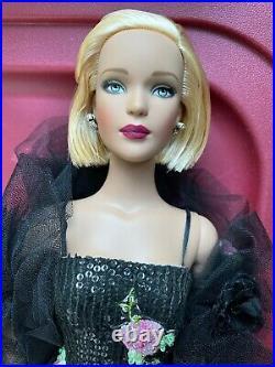 Tonner Tyler Wentworth Blonde C'EST MAGNIFIQUE 16 Complete Fashion Doll BW Body