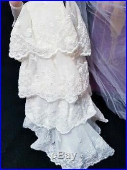 Tonner Tyler Wentworth Bride doll FASHION SHOW FINALE wedding gown