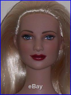 Tonner Tyler Wentworth Charlotte Doll Tres Chic Denim Platinum Hair