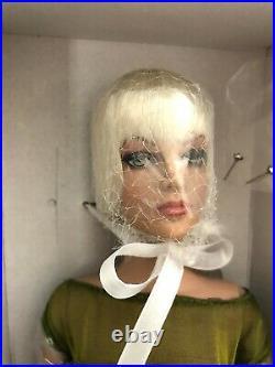 Tonner Tyler Wentworth Sydney Chase 16 Doll Modern Mood