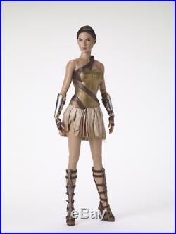 Tonner -gal Godot Wonder Woman Training Armor-no Sword, Shield, Stand-nrfb-sale