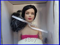 Tonner-marley's Chic City Lights Dressed Doll New-16 (tyler Head Sculpt)