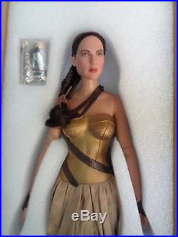 Tonner -wonder Woman Training Armor-no Sword, Shield, Stand-nrfb-gal Gadot