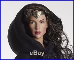 Tonner -wonder Woman Variant # 1-with Black Cape-rtb 101 Body-nrfb