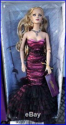Tyler Wentworth Tonner Metro Glamour Sydney Chase 16 Doll Metrodolls Club Le