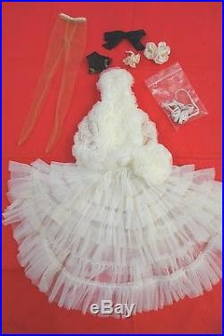 Very rare SOLD OUT Idyllic Antoinette Tonner doll outfit LE 500 from 2009
